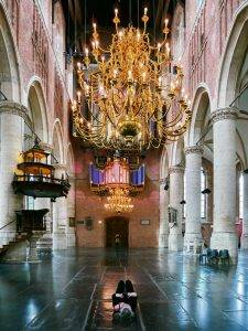 Pieterskerk interior Organ and chandelier